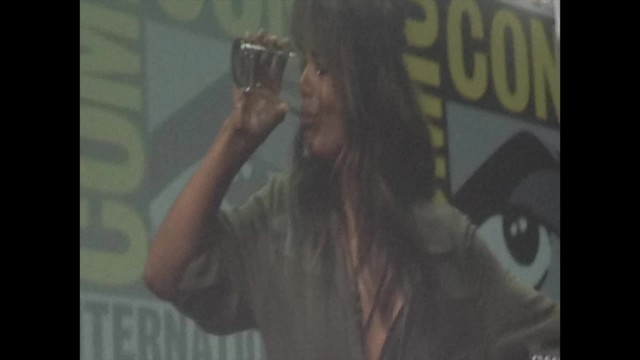 Halle Berry downs a lot of whiskey at -Kingsman- Comic-Con panel