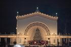 'Christmas on the Prado' brings Santa to Balboa