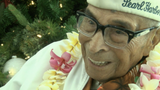 Santa gets Pearl Harbor survivor, 105, to Hawaii