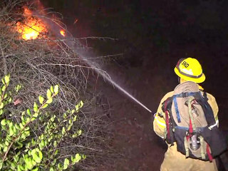 Brush fire breaks out in Mission Hills area