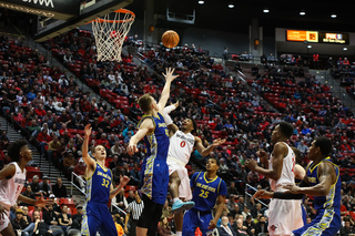 Aztecs fall to Boise State, 83-80, in road...