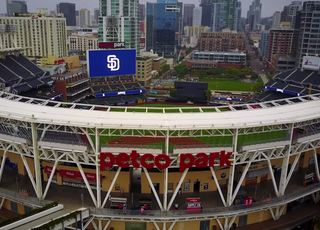 Padres debut extended netting at Petco Park
