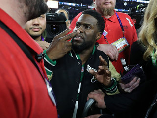 Kevin Hart blocked from Eagles' Super Bowl stage
