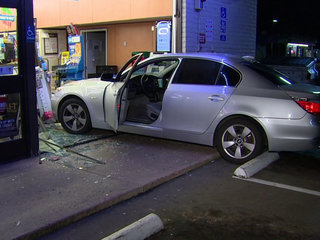 Car plows into Santee 7-Eleven store