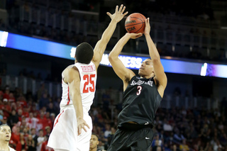 Aztecs lose to Houston 67-65