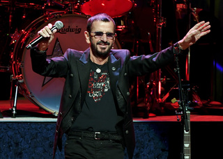 Beatles drummer Ringo Starr is knighted