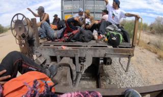 Migrant caravan planning to cross border