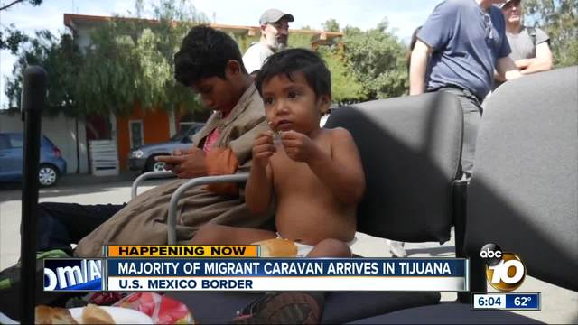 Migrant caravan arrives at US-Mexican border