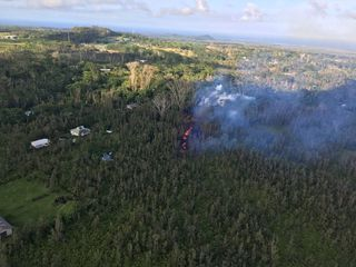 Volcanic eruptions threaten Hawaii's Big Island