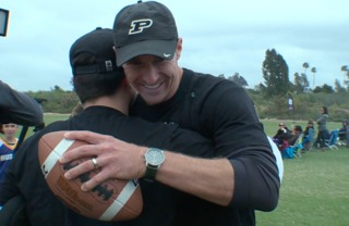 QB Brees surprises Calif. teen with prosthetic