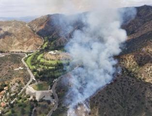 Fire breaks out in Burbank hills