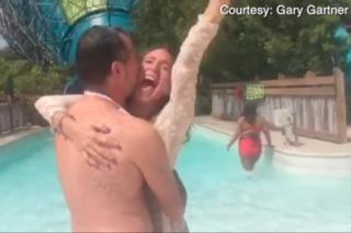 San Diegans take the plunge, weds at Aquatica