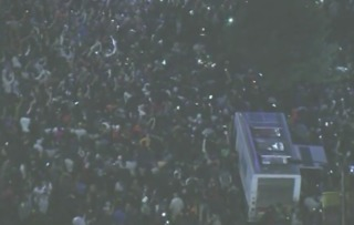 Crowd takes over Melrose at XXXTentacion event
