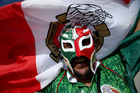 Mexico keeps World Cup momentum rolling