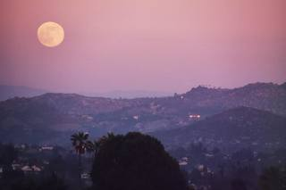GALLERY: Strawberry Moon over San Diego