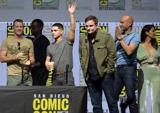 'Predator' stars appear at Comic-Con
