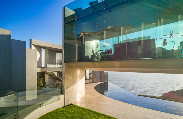 famed razor house in la jolla selling for 30 million 10news com