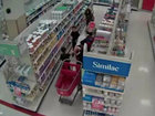 Women accused of using kids to steal formula