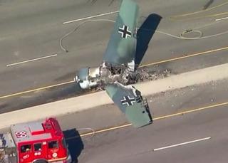 Small plane crashes on 101 Freeway near LA
