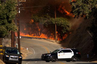 PHOTOS: Woolsey, Hill fires erupt in Ventura Co.