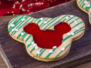 PHOTOS: Holiday-themed treats at Disney Parks